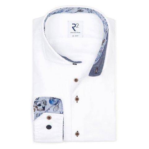 Weißes Baumwollhemd Flanel.