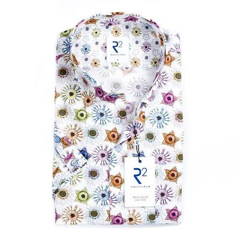 Kurzärmeliges weißes Baumwollhemd mit grafischen Druck.