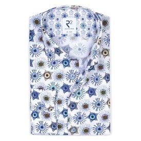 R2 Weißes Baumwollhemd mit blauem  Musterdruck.