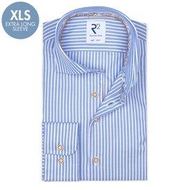 R2 Extra lange Ärmel. Hellblaues gestreift Oxford 2 PLY Baumwollhemd