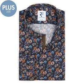 R2 Plus Size. Dunkelblaues Baumwollhemd mit Blütenprint.