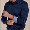 Extra lange mouwen. Donkerblauw 2-PLY katoenen overhemd