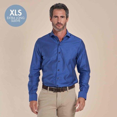 Extra lange mouwen. Blauw 2-PLY katoenen overhemd