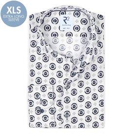 R2 Extra lange Ärmel. Weißes Punktedruck Baumwollhemd.