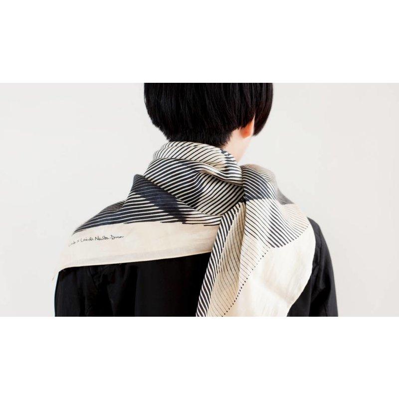 Furoshiki Folded Paper van Link