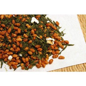 Groene thee met gepofte rijst
