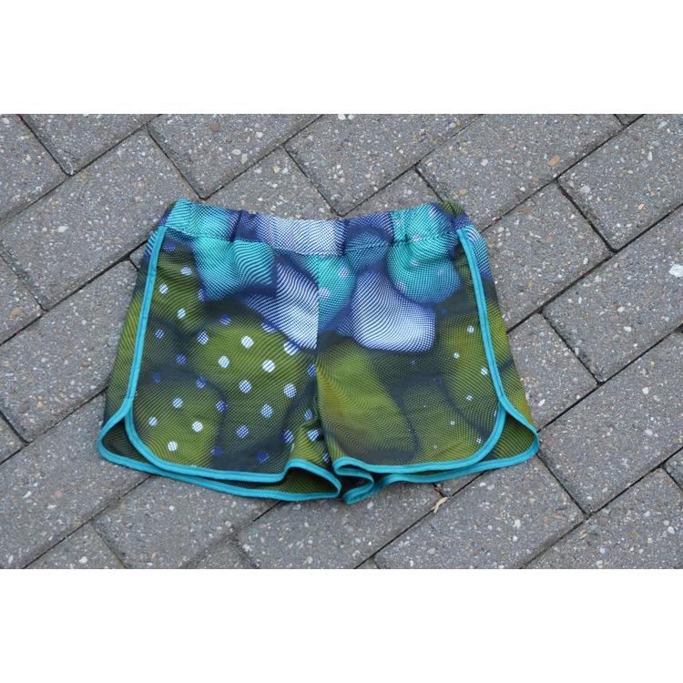 Beach Shorts Sekondi of colorful African fabrics