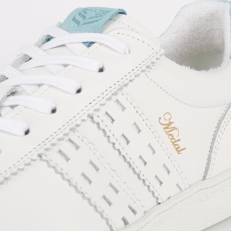 Q1905 Women's Sneaker Medal - White/Light Blue