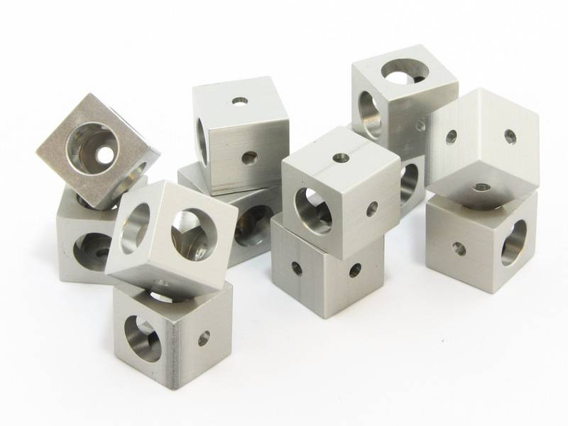MakerBeamXL - 15x15mm aluminum profile 12 pieces Corner cubes clear (15mmx15mmx15mm)