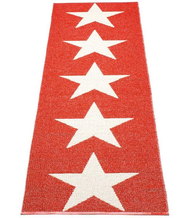 Pappelina Rug Viggo One Red Star
