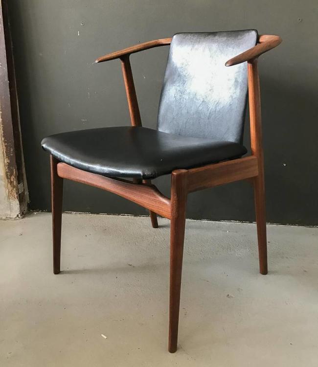 Vintage Cowhorn Chair