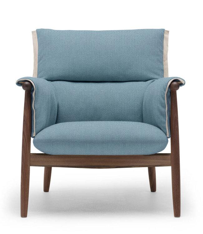 Carl Hansen & Søn E015 Embrace Lounge  Chair