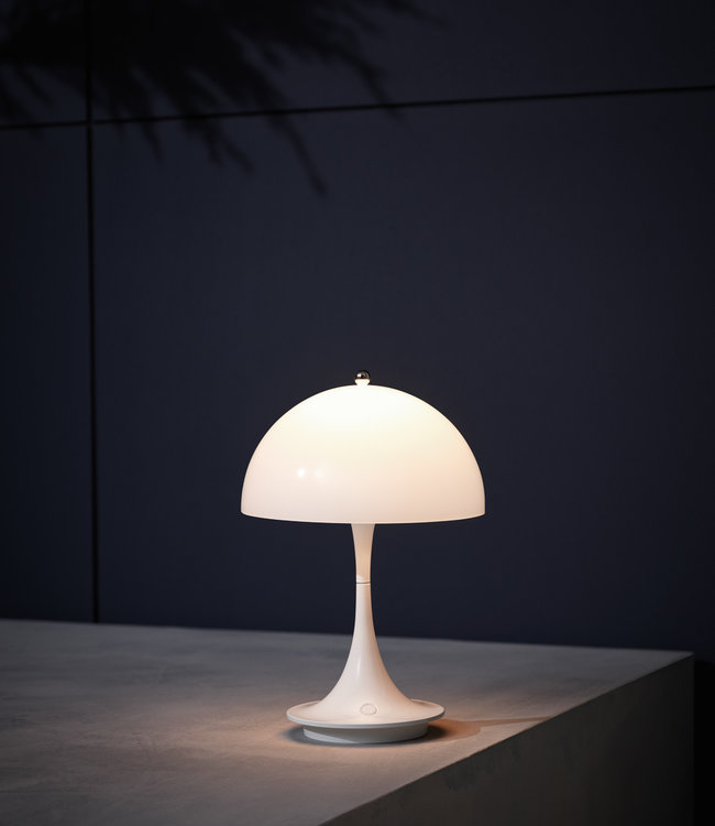 Louis Poulsen Panthella Portable Lamp LED |  In- & outdoor