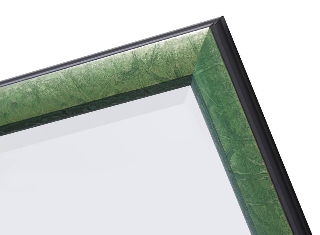 Spiegel mit silbergrünem Rahmen