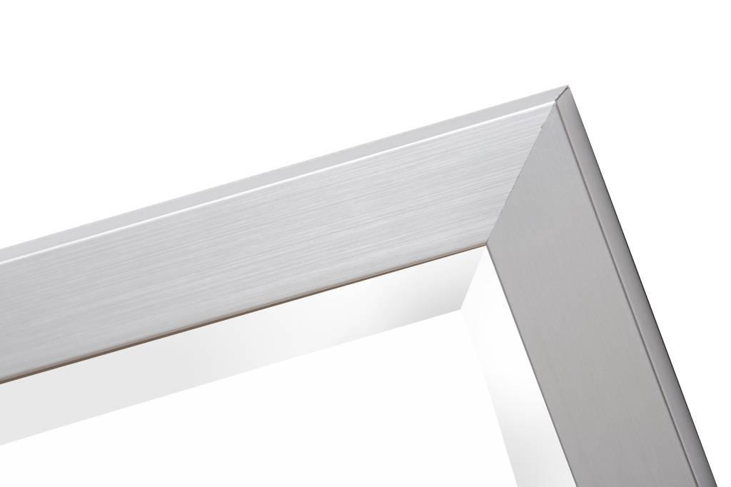 Spiegel mit schmalem Rahmen in Silber