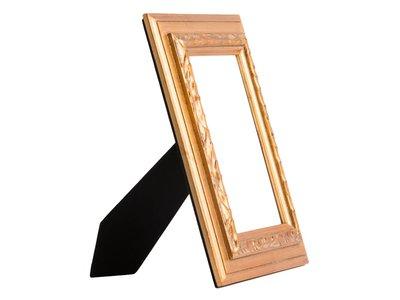 Erschwinglicher goldener Fotorahmen aus Holz
