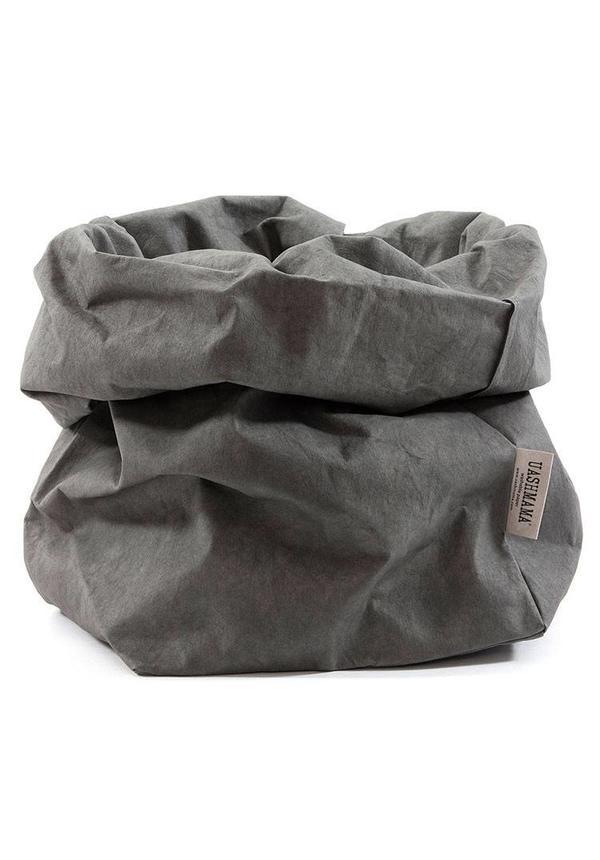 Sac de papier gris foncé