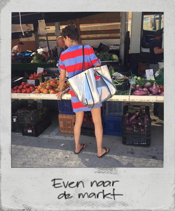 naar de markt