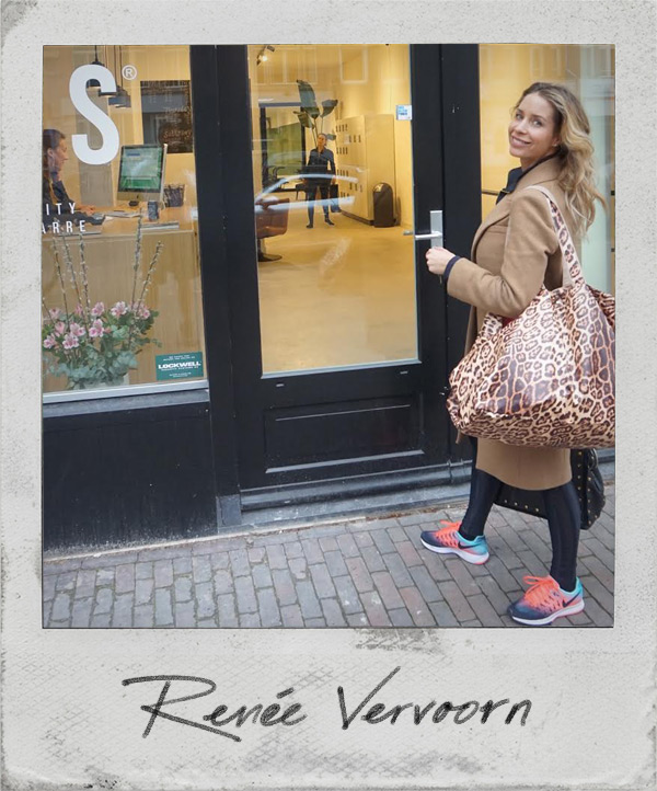 Renee Vervoorn met grote shopper luipaard