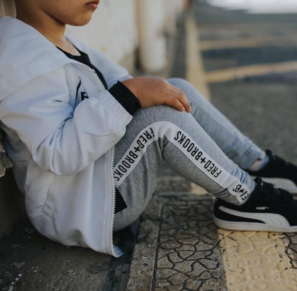 grijze jogger kids