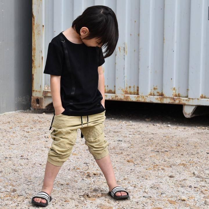 Young Blood Apparel BEIGE BRUINE 3/4 CHINO JOGGER MET LAGER KRUIS | JONGENSKLEDING | STREETWEAR