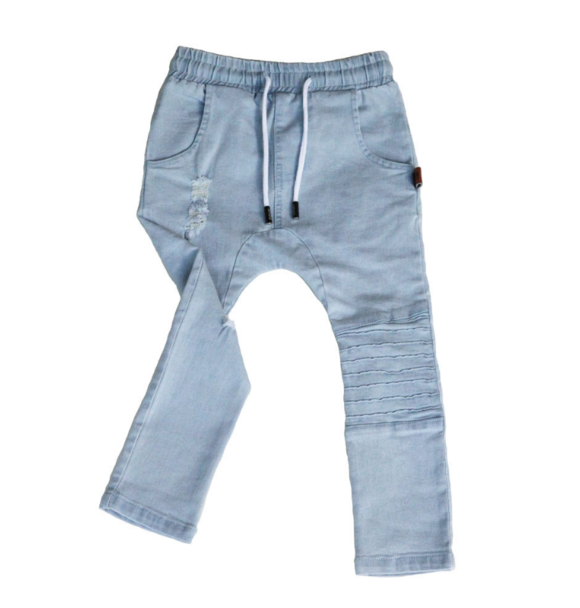 Oovy BLONDE WASH DISTRESSED DENIM JEANS