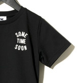 Sometime Soon Official ZWART STATEMENT T-SHIRT | STREETWEAR KINDERKLEDING | SOMETIME SOON