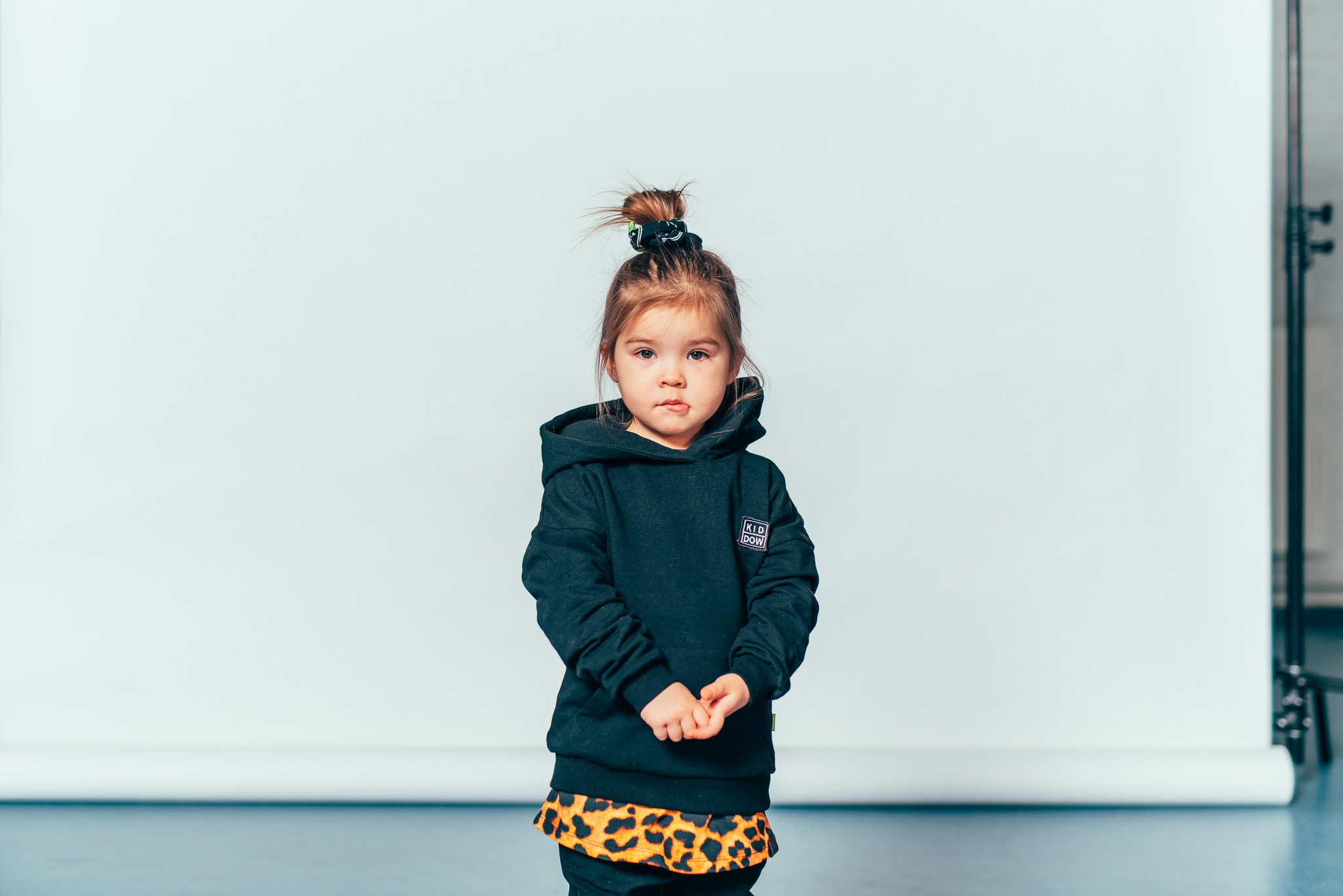 Kiddow BLACK OVERSIZED HOODIE | COOL SWEATER FOR CHILDREN WITH HOOD