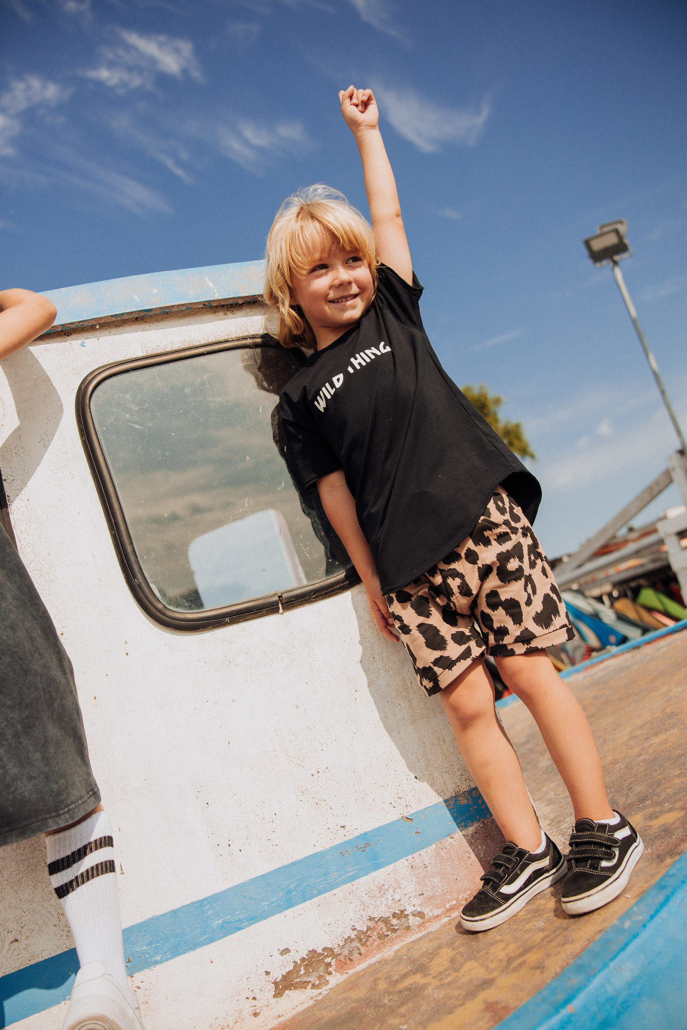 Minikid T-SHIRT WITH LEOPARD PRINT | BLACK CHILDREN'S CLOTHES | MINIKID