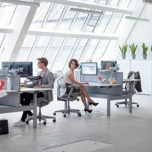 Monitorbeugels voor bevestiging aan het bureau of aan de muur