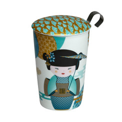 Tea eve 'Little Geisha Petrol' met theezeef