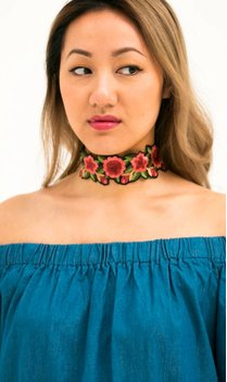 Choker Embroidery Pink flowers