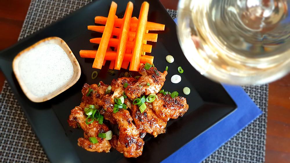 Lemon pepper wings met ranch dressing