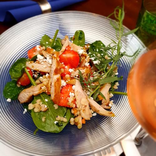 Salade kip aardbei