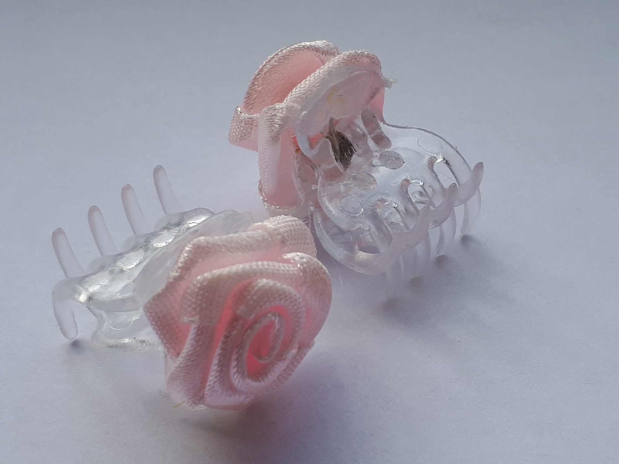 Haarroosje op clip roze groot