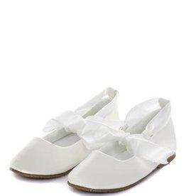 Ivoor schoen met satijn lint