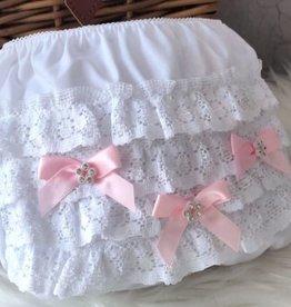 Luierbroekje wit met roze strikjes