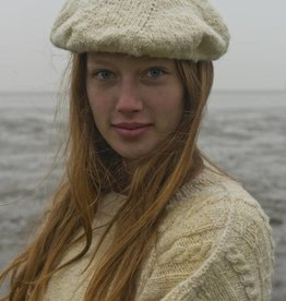 Fishersman's hat made of Waddenwol, white