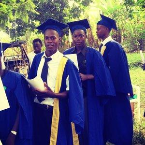 Komplettfinanzierung der Ausbildung für 1 Kind inkl Internat (3 Jahre)