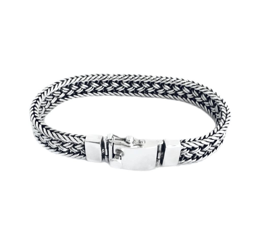 Silver braided bracelet, flat