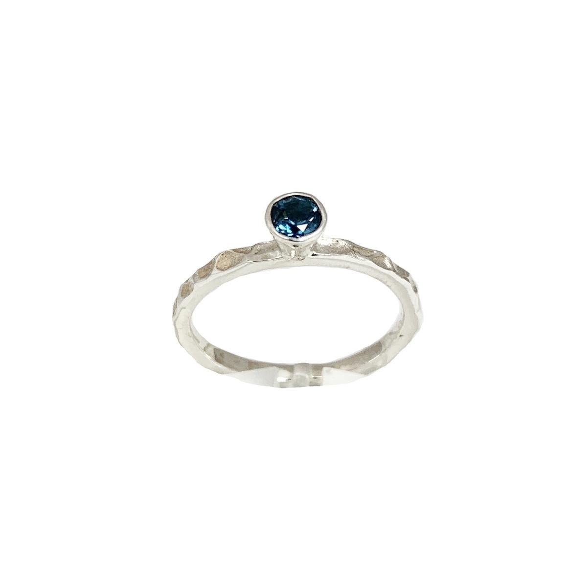 Stackable rings London blue topaas
