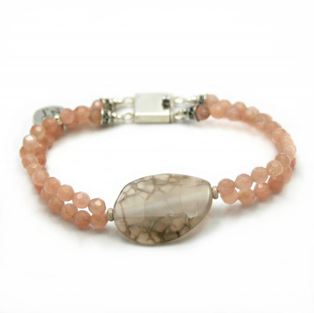 Moonstone and agate, Rosalin