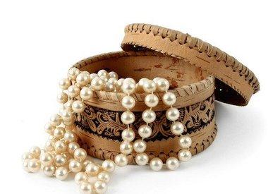 Cleaning  gemstone jewelry
