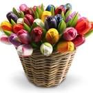 Tulpen aus Holz in einem Korb in Mischfarben nach ihrer Wahl
