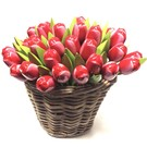 Rot - weiß Tulpen aus Holz in einem Korb