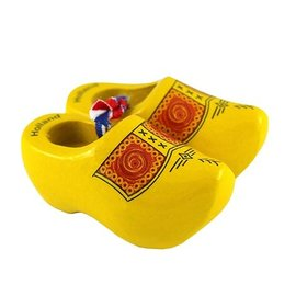 Yellow souvenir clogs 5 cm with a farmers motif