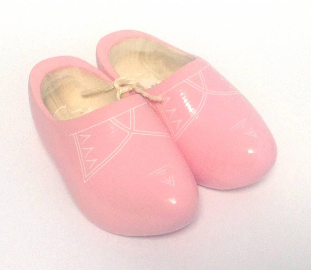 De mooiste kinderklompjes houden  de voetjes koel in de zomer