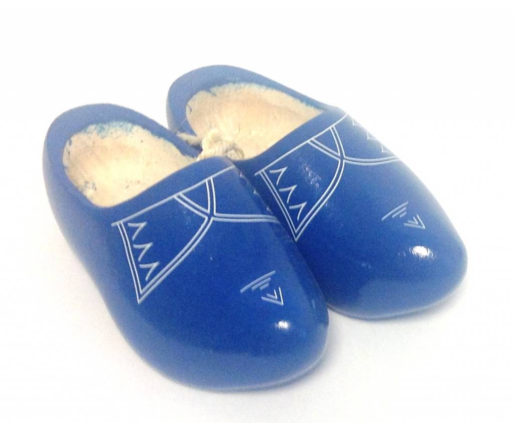 Keeping your feet cool with the nicest children's wooden shoes