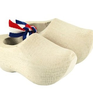 sanded souvenir clogs made of beech wood with a length of about 5 cm