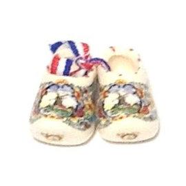 paartje gekleurde souvenirsklompjes